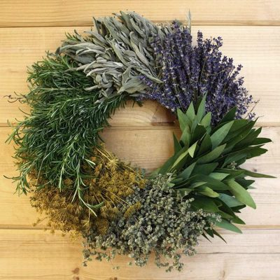 Kitchen herb wreath DIY christmas project for the home