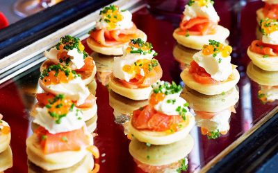 Smoked salmon and cream cheese blinis, fast and easy finger food
